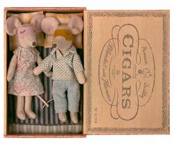 Maileg - Mum and Dad mice in cigarbox