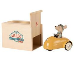 Maileg - Mouse cart with garage yellow