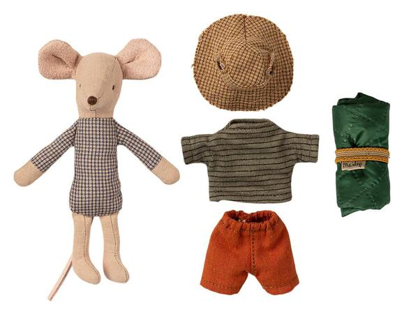 Maileg - Hiker mouse  12 cm. - Big brother - Pre-order - Expected in stock from 15-4-2021