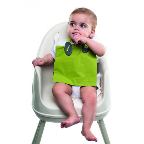 Bclip for bib. Select ml. 4 colors. Smart device for putting on eg a diaper or piece. Replaces bibs with teasing strings that wrap in the sink or snarl in the neck of the child.