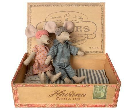 Maileg - Mom and dad mouse in cigar box