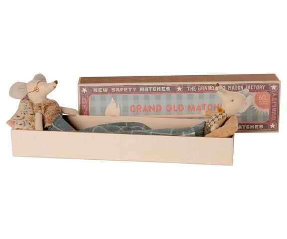 Maileg - Grandma & Grandpa mice in matchbox - Grandma & grandpa mouse in matchbox - Expected in stock from 16-09-2020